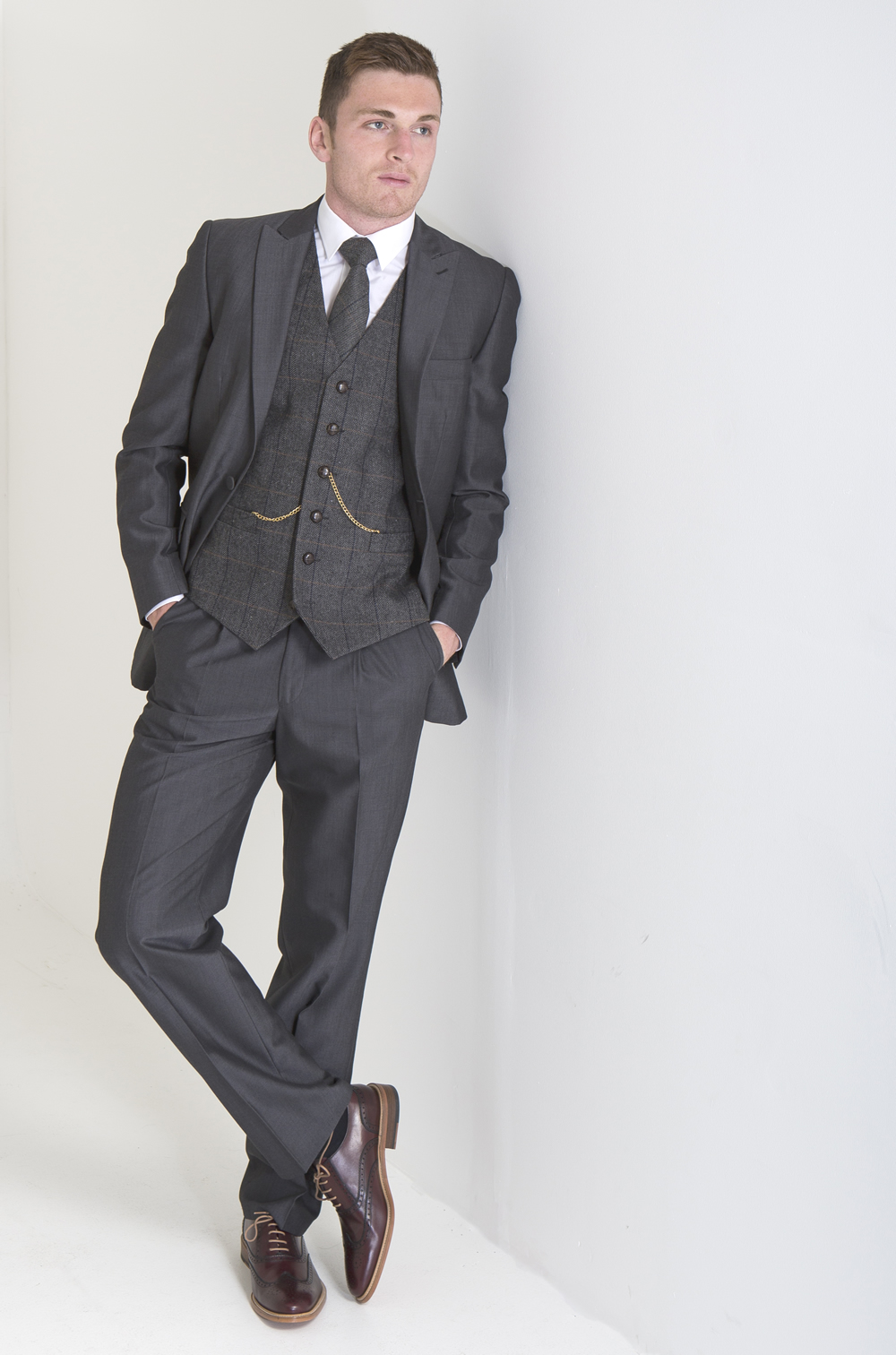 Your Complete Guide to Affordable Suits. All in all, finding the very best of cheap tailored suits for men shouldn't be a challenge. Best Suit Brands. This is a great option for those who want to show off their physique or are too slim for the other suit cuts. Your Complete Guide to Affordable Shirts.